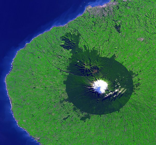 Destination Idea: Mount Taranaki, New Zealand